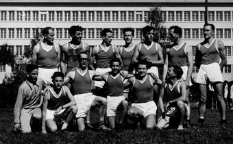 Equipe de la balle à la corbeille en 1950